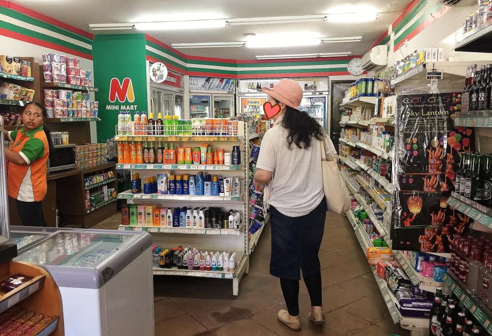 インドネシア バリ ミニマート店内