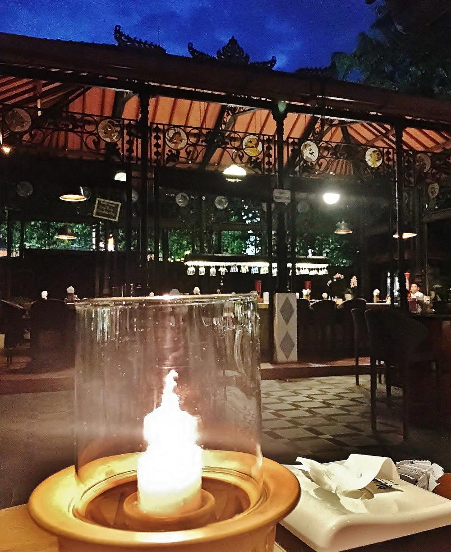 スミニャックレストラン マデスワルン2