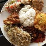 バリの食堂「ワルン」で絶品ナシチャンプルとミーゴレンを「warung Minpi」【スミニャック】