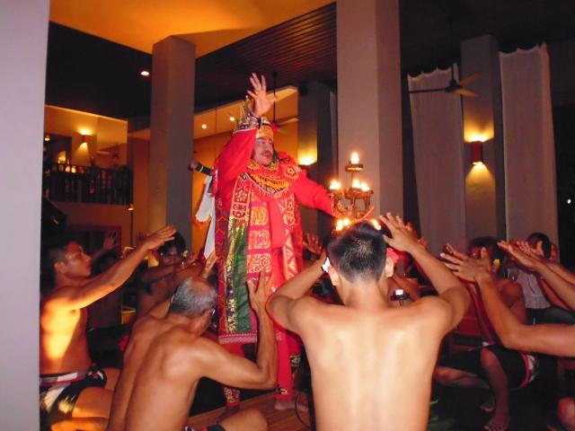 ケチャックダンスが見れる場所 バリ島