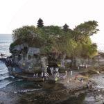 神秘的!海に浮かぶ「タナロット寺院」で夕日を見よ!【クロボカン周辺】