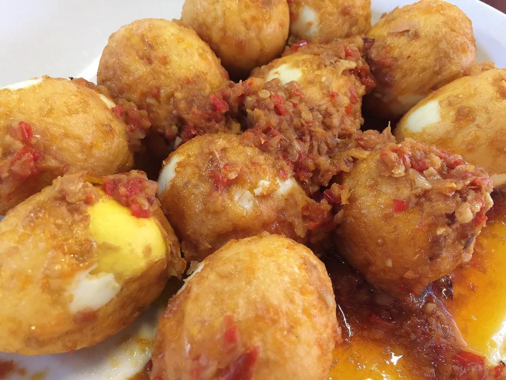 揚げ卵のチリソース